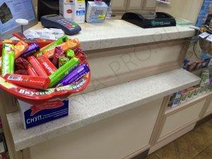 Прилавок для кассира в аптеке