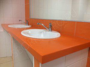 оранжевая столешница из искусственного камня