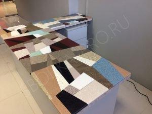 Лоскутный стол из искусственного камня