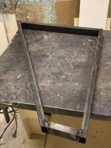 металлическая опора для столешницы