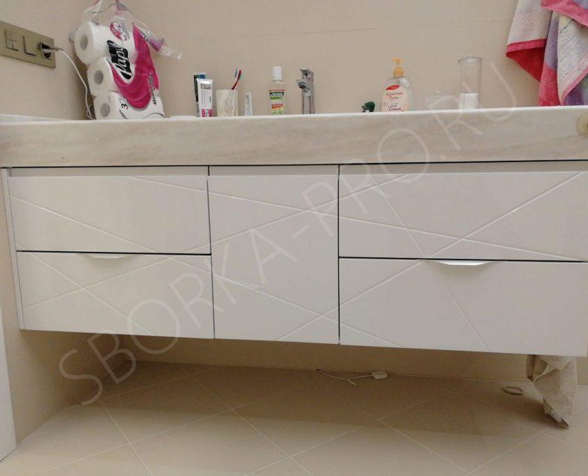 Подвесная тумба в ванну