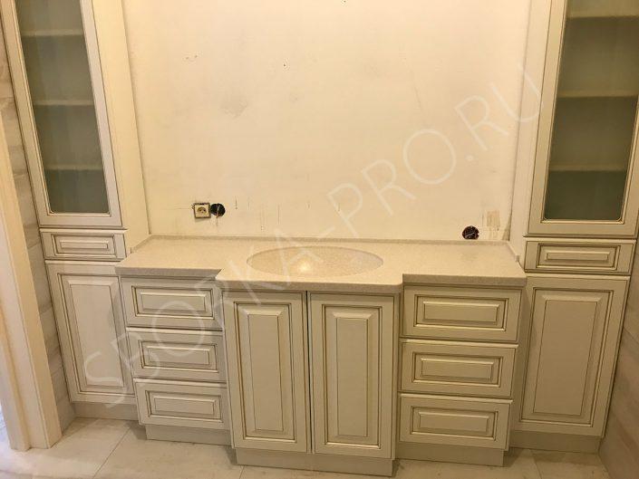 классическая мебель в ванну