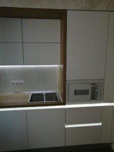 Кухня без ручек с профилем GOLA LED