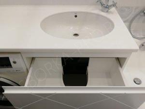 белая столешница из камня для ванной