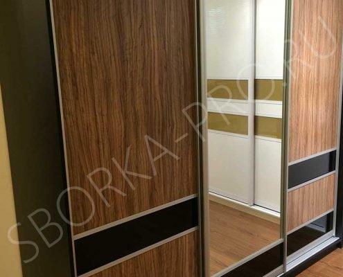 Шкаф купе c дверями из ЛДСП и стекла ORACAL