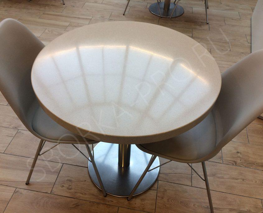 стол из искусственного камня для кафе