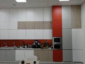 Кухня с профилем GOLA и интегрированными ручками
