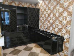 кухня черная глянцевая